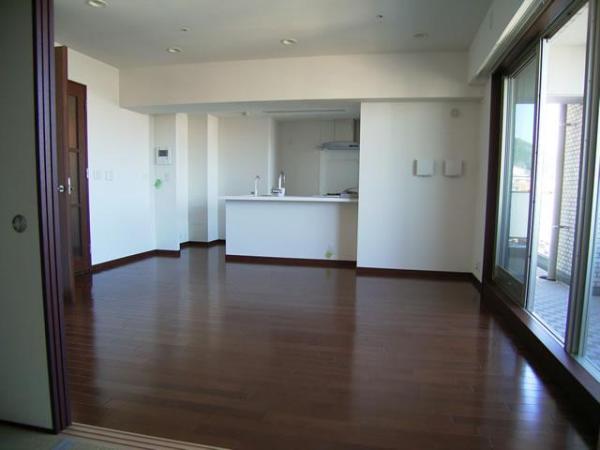 物件番号: 1025821759 プレジール三宮  神戸市中央区加納町2丁目 3LDK マンション 画像1