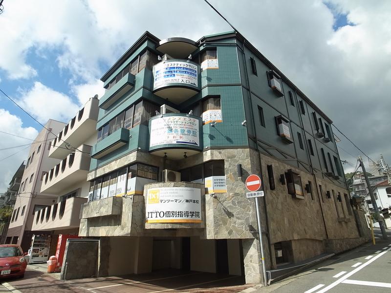 物件番号: 1025874619 アジュール山本通  神戸市中央区山本通5丁目 4SLDK マンション 外観画像
