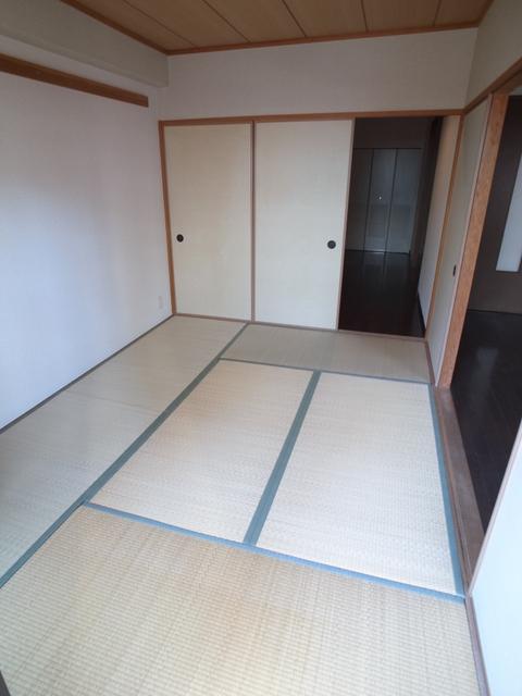 物件番号: 1025872353 メゾン・ドュウ  神戸市中央区中山手通2丁目 2LDK マンション 画像3