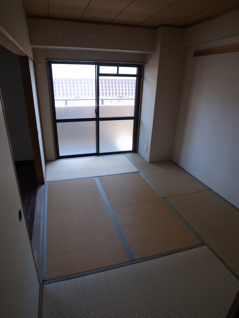 物件番号: 1025872353 メゾン・ドュウ  神戸市中央区中山手通2丁目 2LDK マンション 画像4