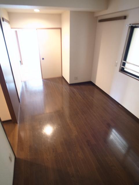 物件番号: 1025872353 メゾン・ドュウ  神戸市中央区中山手通2丁目 2LDK マンション 画像6