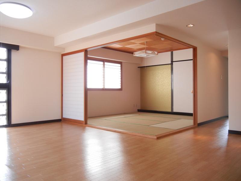 物件番号: 1025881214 サンコート阪急六甲  神戸市灘区山田町1丁目 3LDK マンション 画像1