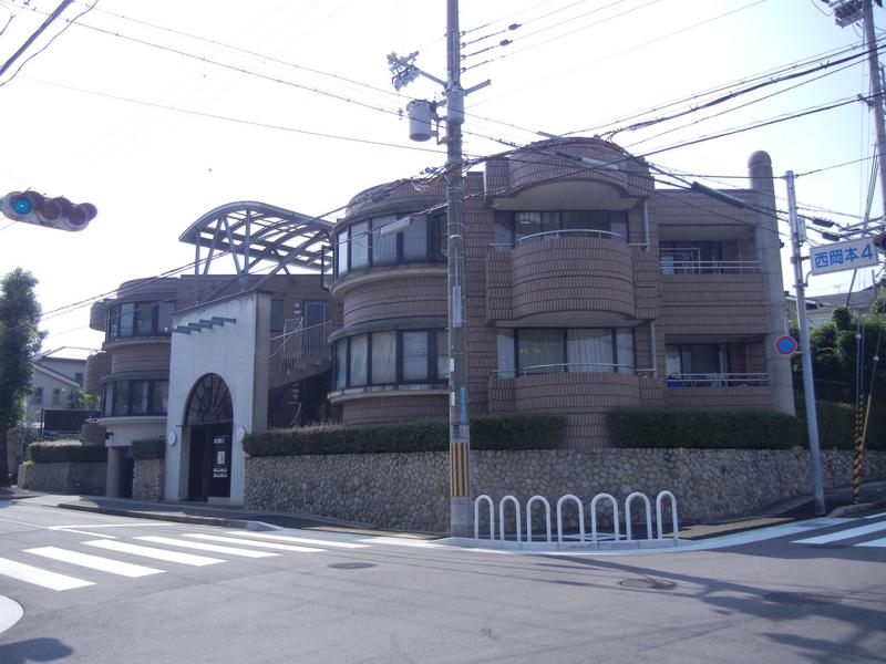 物件番号: 1025871650 オリバー西岡本  神戸市東灘区西岡本4丁目 3LDK マンション 外観画像
