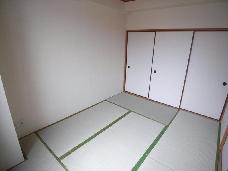 物件番号: 1025806124 グランシャリオ山手田邉  神戸市中央区下山手通6丁目 3LDK マンション 画像14