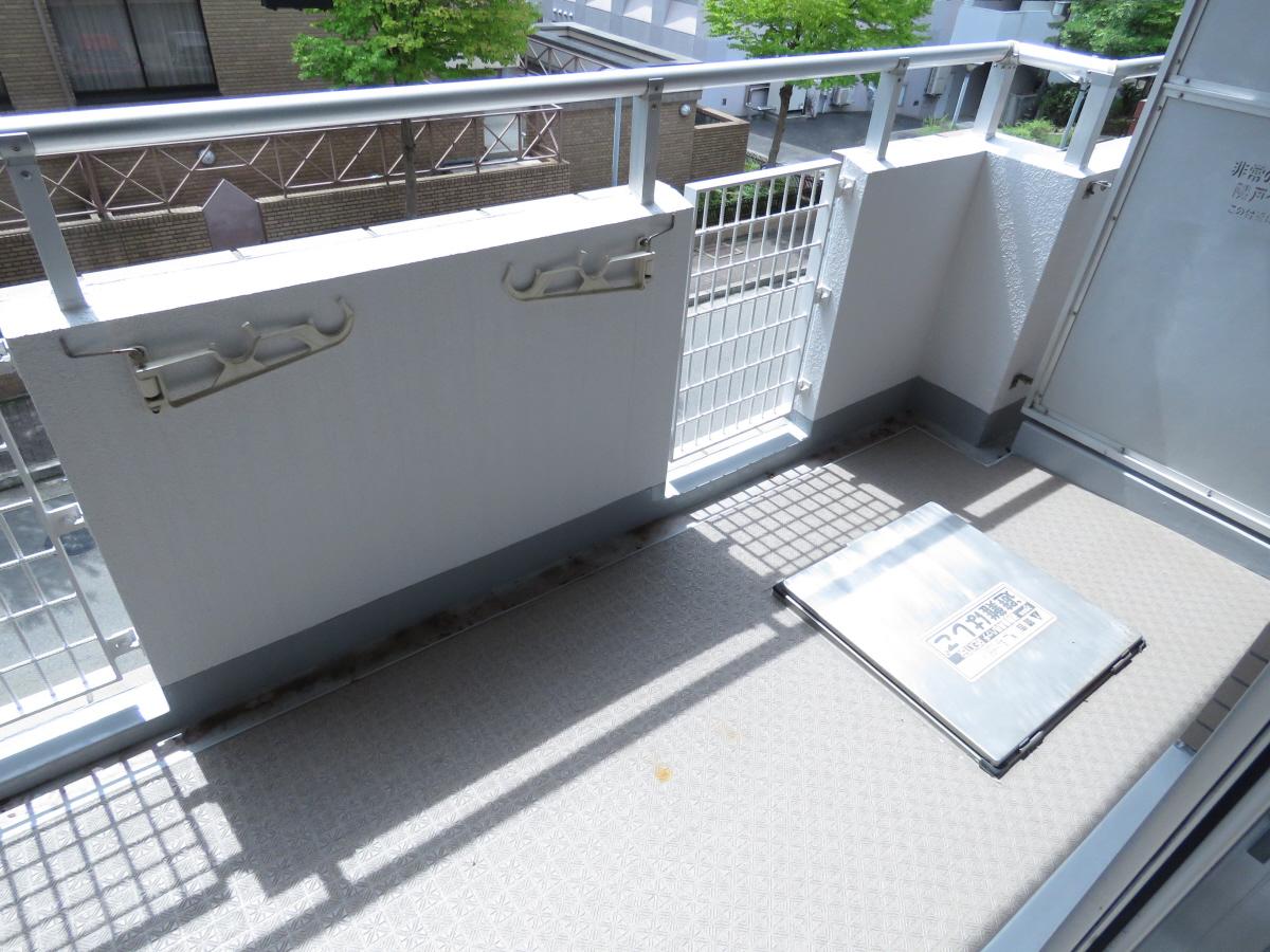 物件番号: 1025806482 ジュリアス中山手  神戸市中央区中山手通7丁目 2LDK マンション 画像3