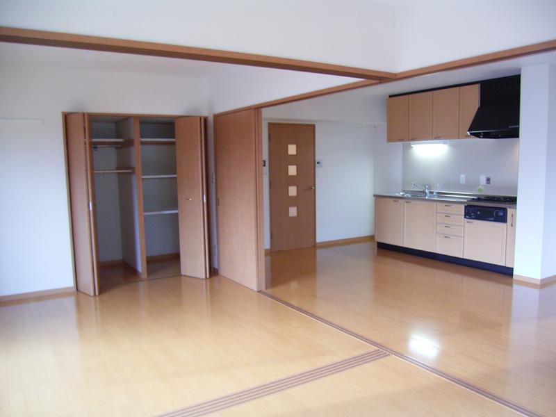 物件番号: 1025836135 神戸中山手ハウス  神戸市中央区中山手通6丁目 2LDK マンション 画像1