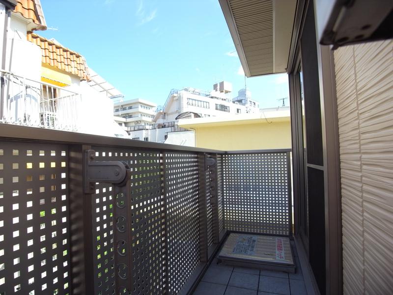 物件番号: 1025811932 シャーメゾンセレッソ・カーサ  神戸市中央区山本通1丁目 3LDK タウンハウス 画像9
