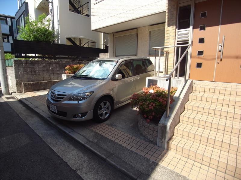 物件番号: 1025811932 シャーメゾンセレッソ・カーサ  神戸市中央区山本通1丁目 3LDK タウンハウス 画像11