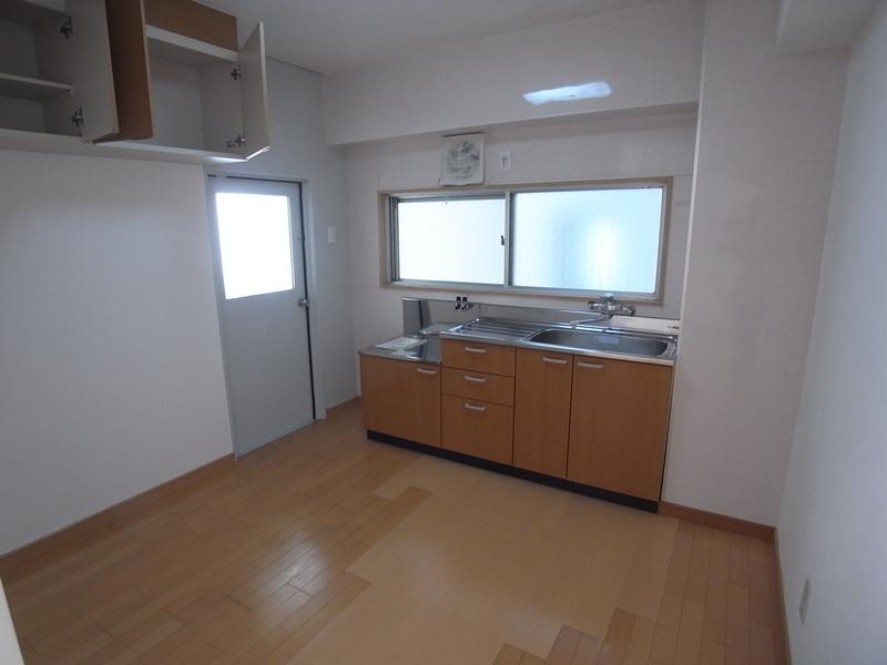 物件番号: 1025815702 第2スカイマンション  神戸市中央区北野町4丁目 1LDK マンション 画像4