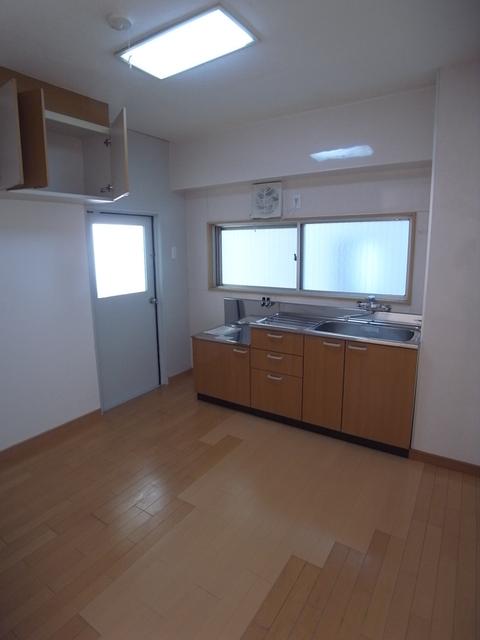 物件番号: 1025815702 第2スカイマンション  神戸市中央区北野町4丁目 1LDK マンション 画像18