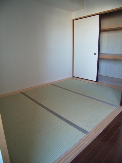 物件番号: 1025821759 プレジール三宮  神戸市中央区加納町2丁目 3LDK マンション 画像3