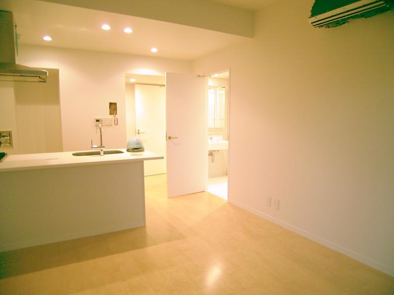 物件番号: 1025853911 ワイズコーポレーションビルディング  神戸市中央区下山手通2丁目 1LDK マンション 画像2
