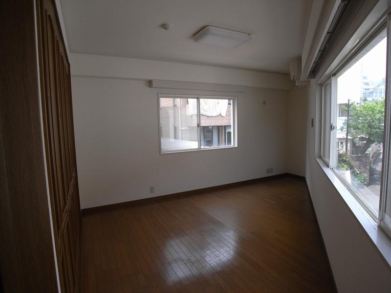 物件番号: 1025824434 第6スカイマンション  神戸市中央区山本通2丁目 2LDK マンション 画像1