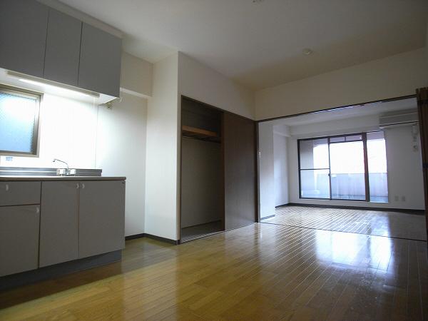 物件番号: 1025836142 富士産業ビル  神戸市中央区中山手通1丁目 1LDK マンション 画像1