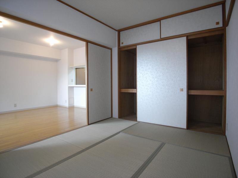 物件番号: 1025841255 シティハイツ諏訪山  神戸市中央区山本通3丁目 3LDK マンション 画像2