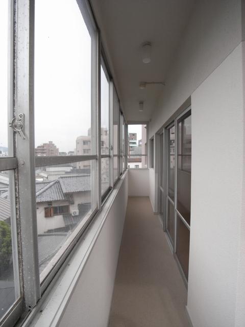 物件番号: 1025845663 山手タワーズ  神戸市中央区山本通4丁目 3LDK マンション 画像10