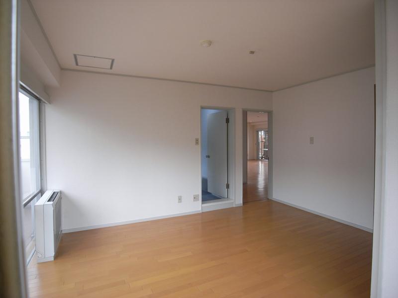 物件番号: 1025845663 山手タワーズ  神戸市中央区山本通4丁目 3LDK マンション 画像11