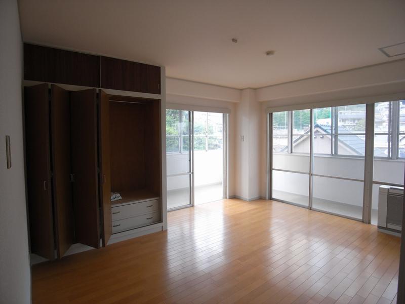 物件番号: 1025845663 山手タワーズ  神戸市中央区山本通4丁目 3LDK マンション 画像13