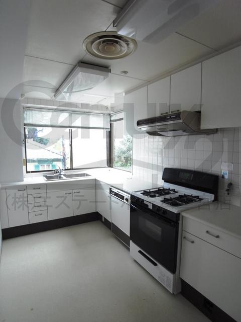 物件番号: 1025859188 第4スカイマンション  神戸市中央区北野町2丁目 3LDK マンション 画像3