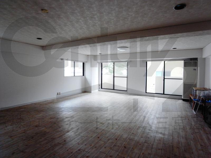物件番号: 1025850259 第5スカイマンション  神戸市中央区北野町4丁目 3LDK マンション 画像1