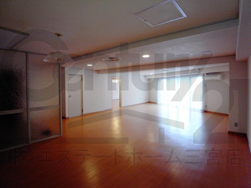 物件番号: 1025850260 第3スカイマンション  神戸市中央区北野町4丁目 3LDK マンション 画像1