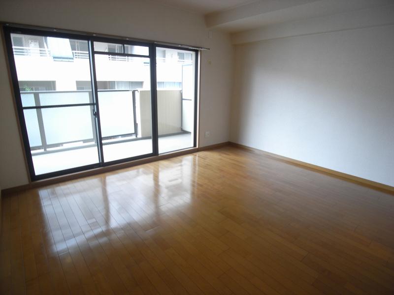 物件番号: 1025869490 ロイヤルヒル北野  神戸市中央区加納町2丁目 3LDK マンション 画像15