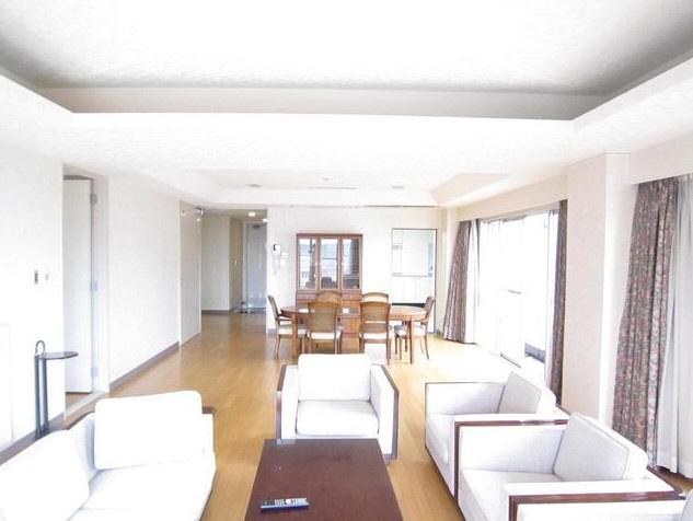 物件番号: 1025864319 タクラルハウス  神戸市中央区北野町1丁目 3LDK マンション 画像2