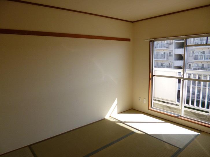 物件番号: 1025863521 ☆落合第三 409号棟(UR)  神戸市須磨区中落合1丁目 3LDK マンション 画像2