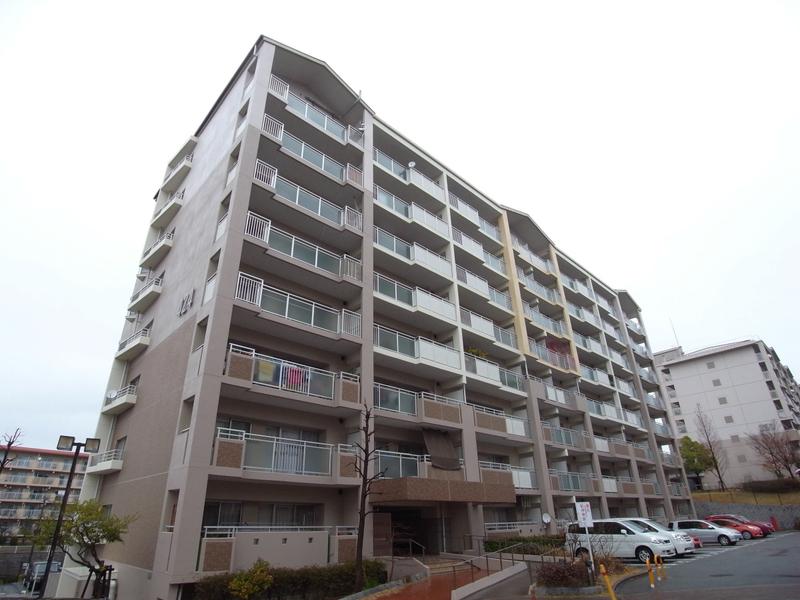 物件番号: 1025863516 ☆ルゼフィール名谷東 422号棟(UR)  神戸市須磨区中落合1丁目 3LDK マンション 外観画像