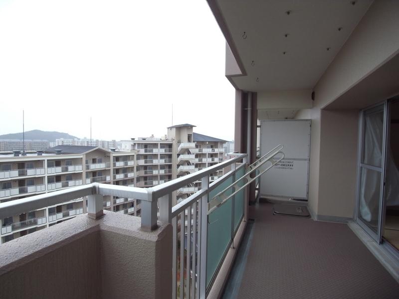 物件番号: 1025863516 ☆ルゼフィール名谷東 422号棟(UR)  神戸市須磨区中落合1丁目 3LDK マンション 画像10
