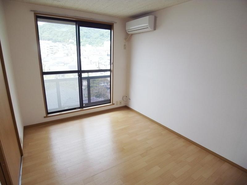 物件番号: 1025860928 中山手ガーデンパレスD棟  神戸市中央区中山手通7丁目 1LDK アパート 画像2