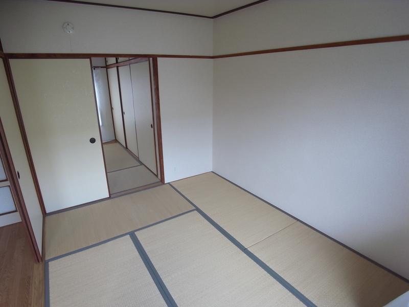 物件番号: 1025862630 ☆鈴蘭台第二 12号棟(UR)  神戸市北区南五葉2丁目 3K マンション 画像4