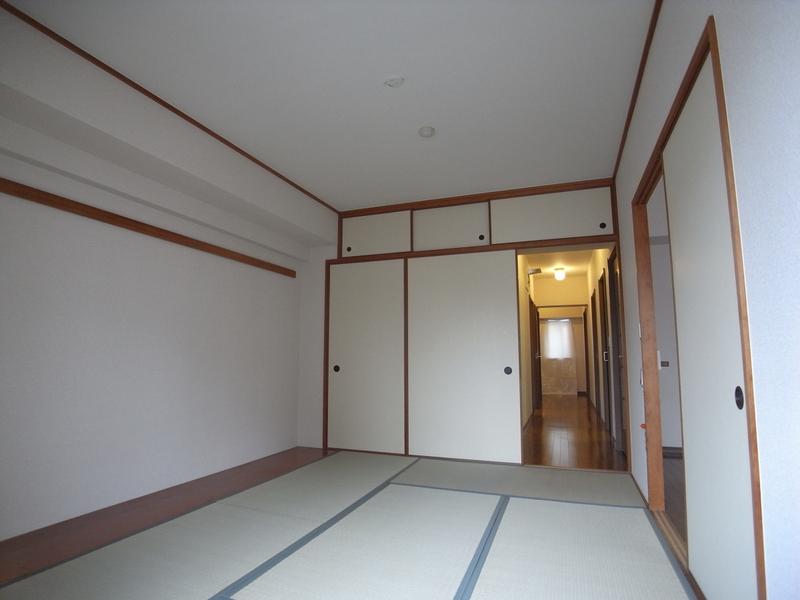 物件番号: 1025863515 ☆ルゼフィール名谷東 422号棟(UR)  神戸市須磨区中落合1丁目 2DK マンション 画像4