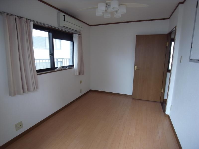 物件番号: 1025875319 ローレル三宮  神戸市中央区琴ノ緒町1丁目 2LDK マンション 画像8