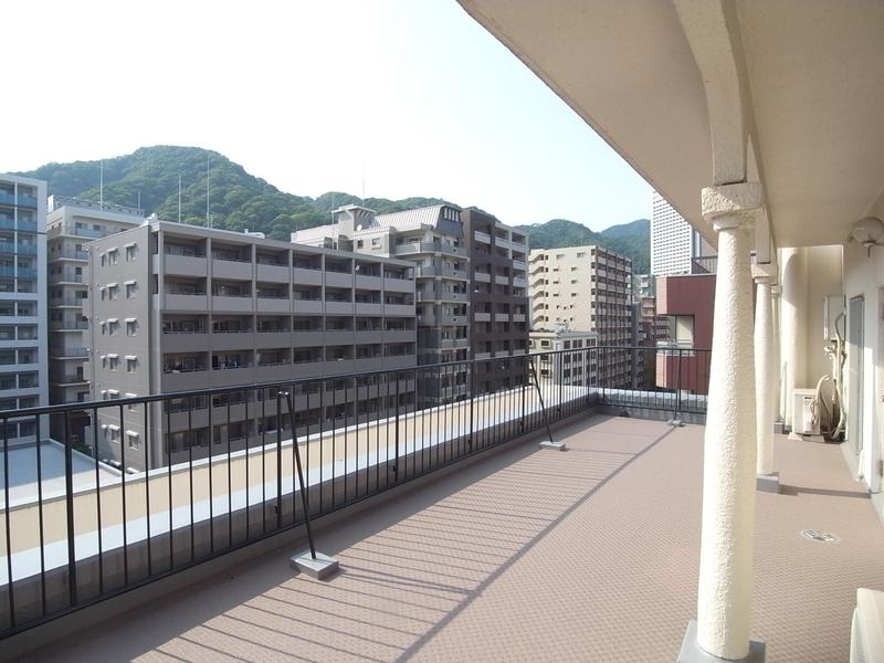 物件番号: 1025868869 モンラヴィ新神戸  神戸市中央区布引町2丁目 2LDK マンション 画像3