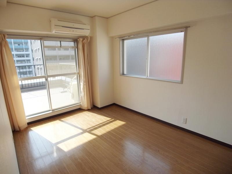 物件番号: 1025868869 モンラヴィ新神戸  神戸市中央区布引町2丁目 2LDK マンション 画像6