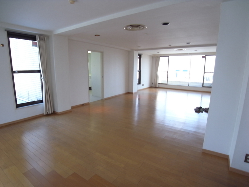 物件番号: 1025868985 第4スカイマンション  神戸市中央区北野町2丁目 3LDK マンション 画像2