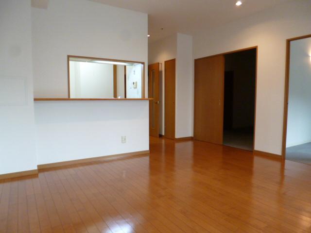 物件番号: 1025869490 ロイヤルヒル北野  神戸市中央区加納町2丁目 3LDK マンション 画像5