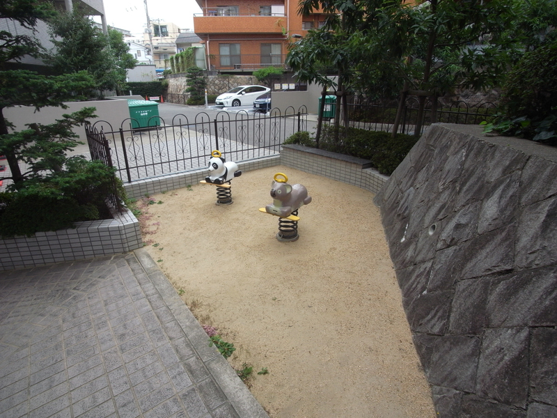 物件番号: 1025869570 ブリックロード・山の手  神戸市中央区下山手通8丁目 2LDK マンション 画像4