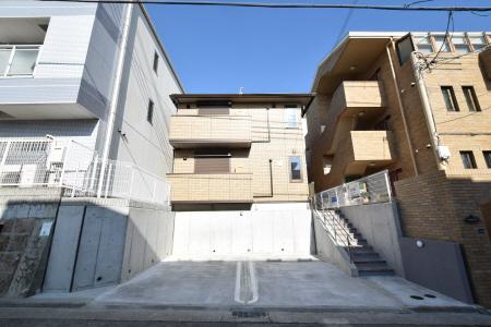 神戸中島通 萬利Residence 101の外観