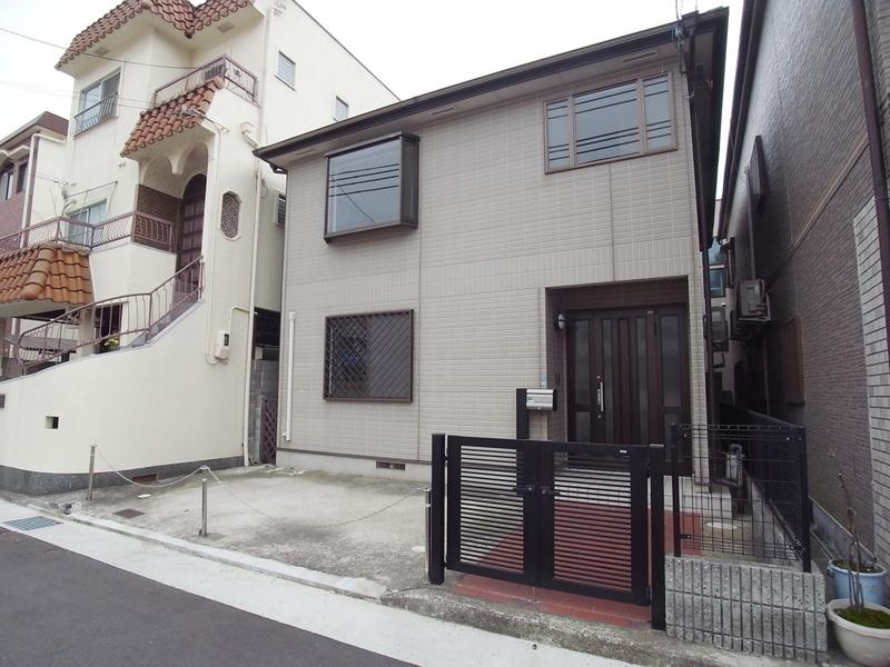 旗塚通4丁目戸建 1の外観