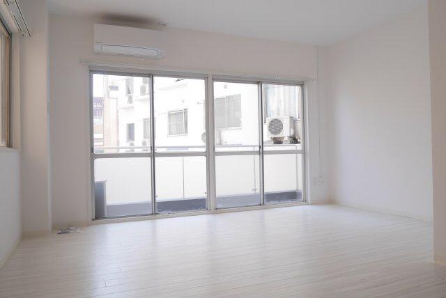 物件番号: 1025874951 ラジマンション  神戸市中央区山本通2丁目 2K マンション 画像1