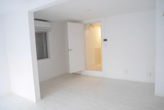 物件番号: 1025874951 ラジマンション  神戸市中央区山本通2丁目 2K マンション 画像2