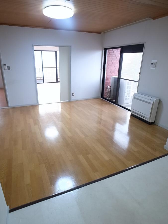 物件番号: 1025875081 北野タウンハウス  神戸市中央区山本通3丁目 3LDK マンション 画像1