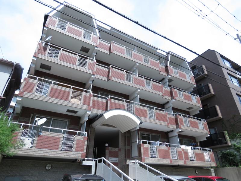 物件番号: 1025828627 ジュリアス中山手  神戸市中央区中山手通7丁目 2LDK マンション 外観画像