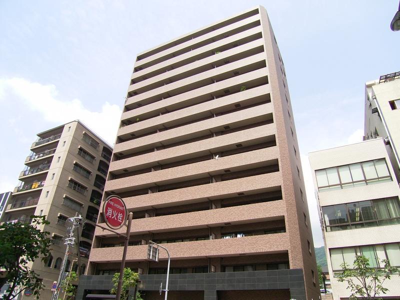 物件番号: 1025818553 リーガル神戸下山手  神戸市中央区下山手通3丁目 3LDK マンション 外観画像