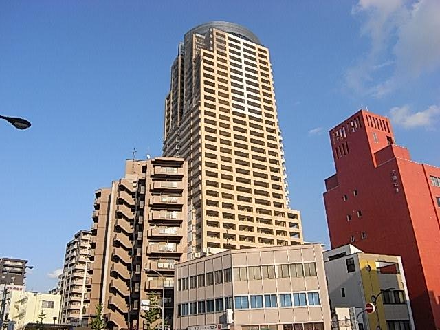 物件番号: 1025865888 トア山手 ザ・神戸タワー  神戸市中央区中山手通3丁目 3LDK マンション 外観画像